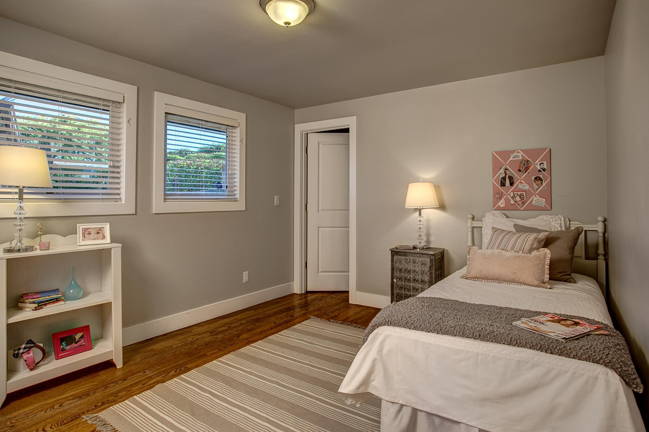 15-Bedroom01