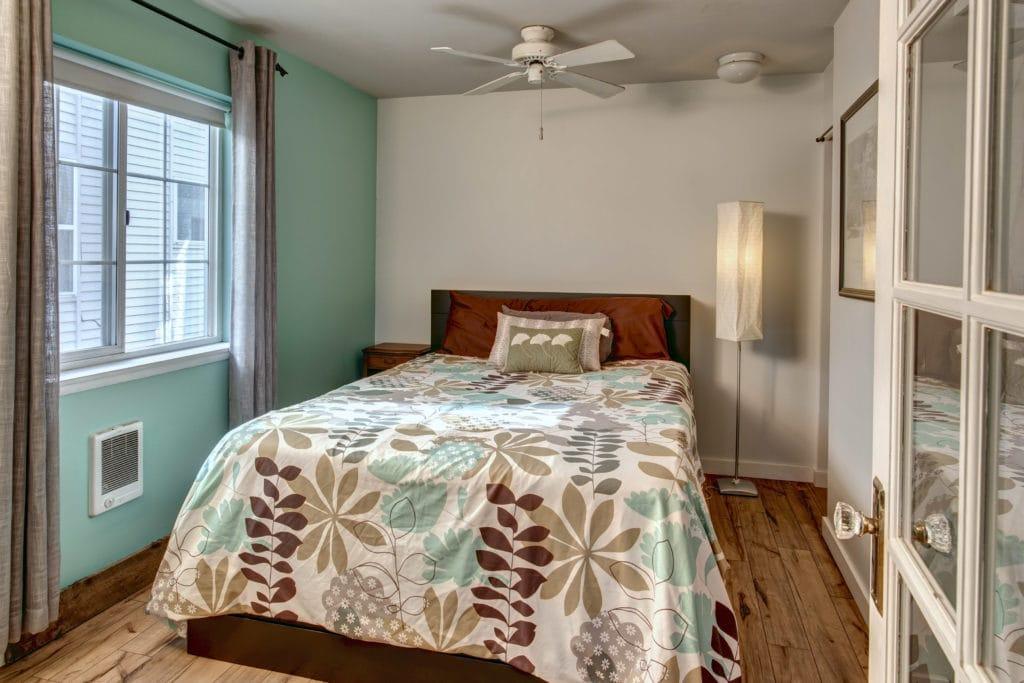 16- Bedroom02