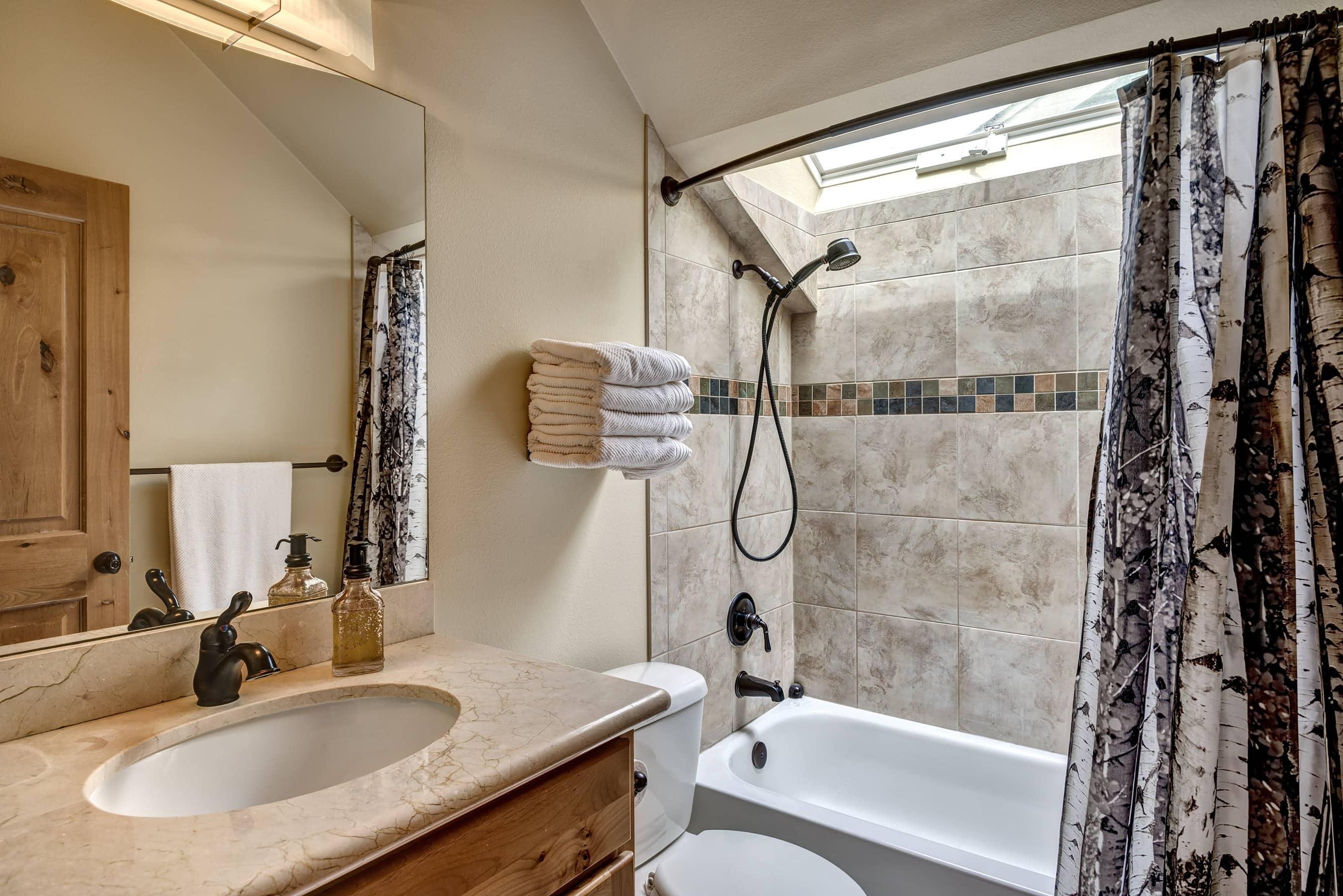 17- Bathroom01
