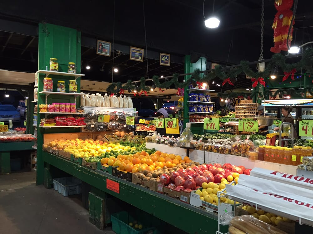 Macpherson's Produce on Beacon Hill