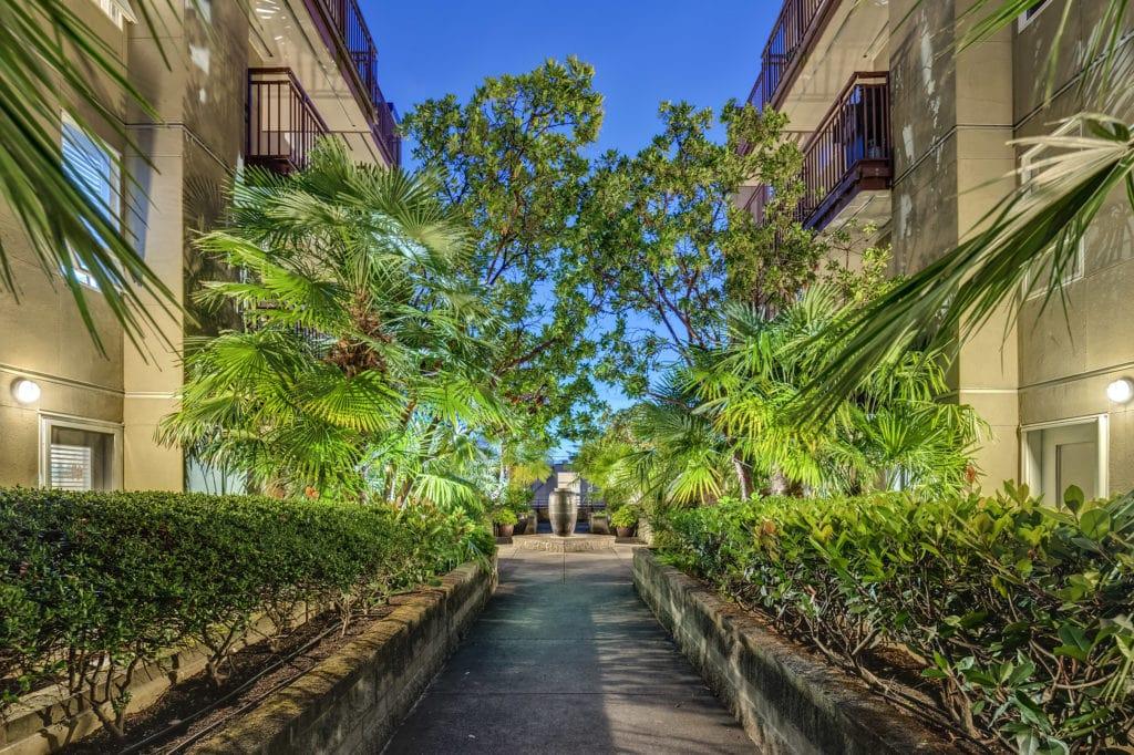 Plaza Del Sol Courtyard