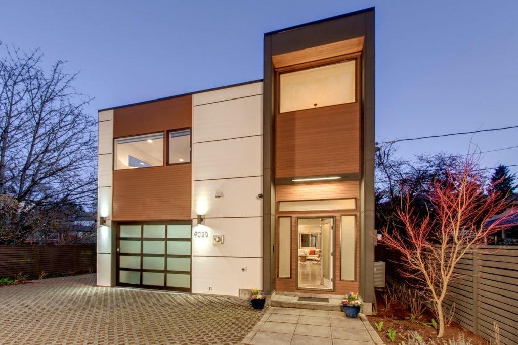 Modern Home in Maple Leaf