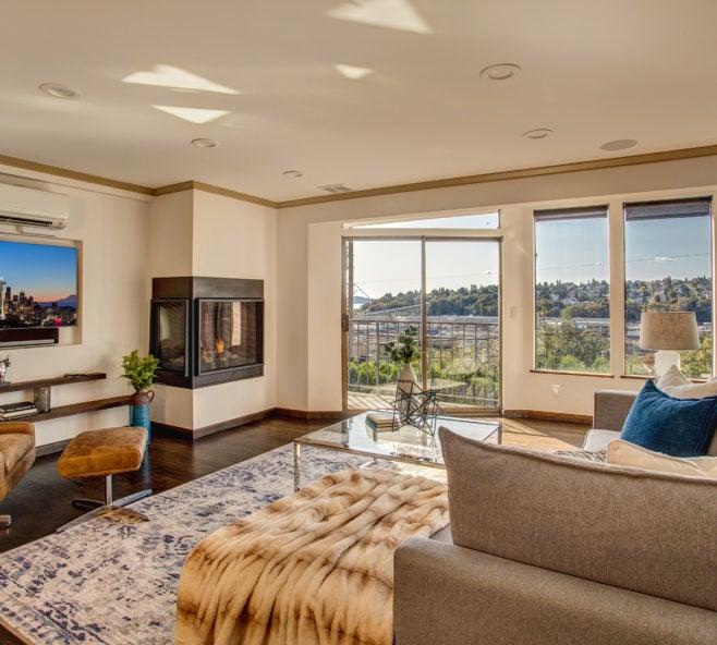 Luxury Queen Anne Condo Living Area, Interbay and Magnolia View 1