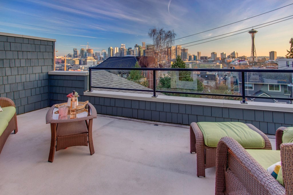 Queen Anne Space Needle View Home Deck City View