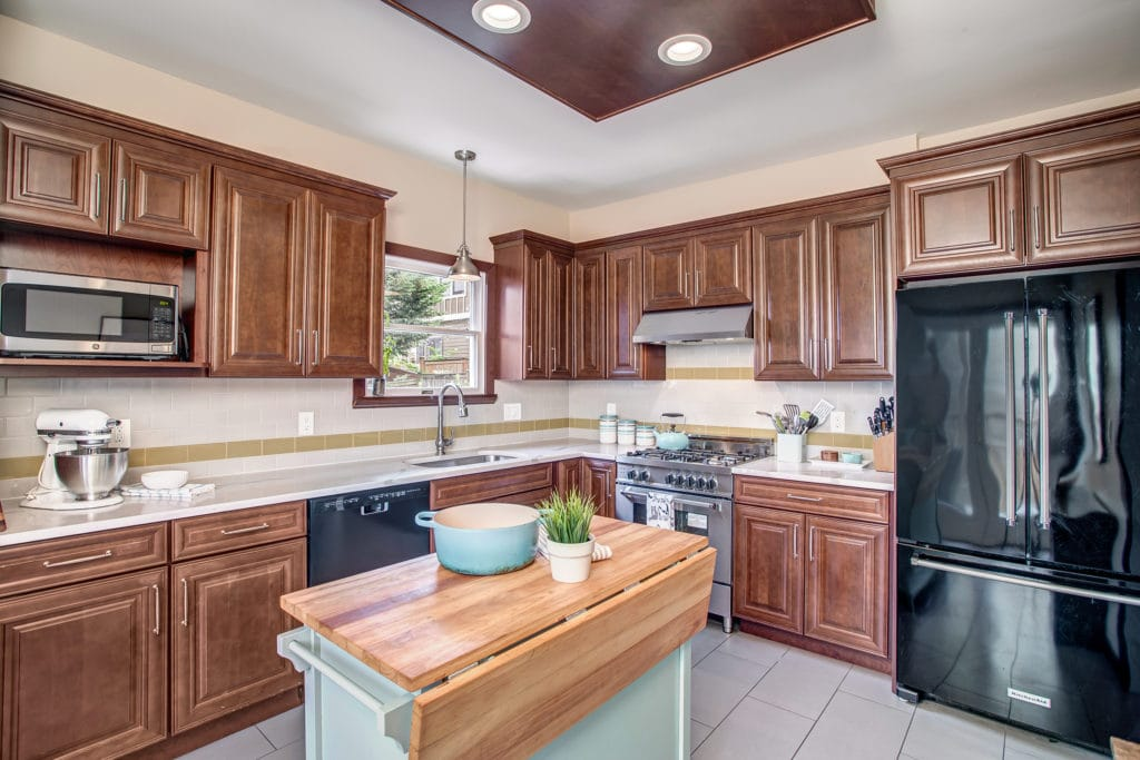 Madison Valley Home Updated Kitchen with Bertazzoni Gas Range