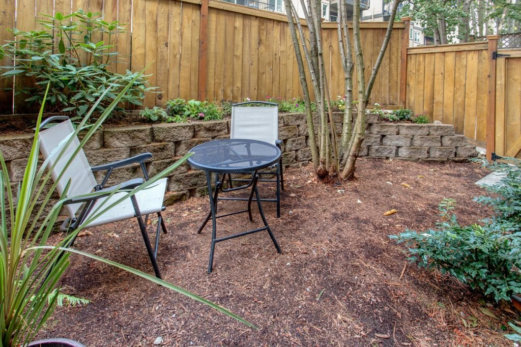 Green Lake Townhome Private Fenced Yard