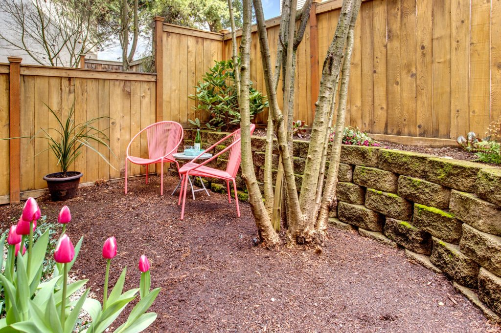 Green Lake Townhome Private Garden Entry