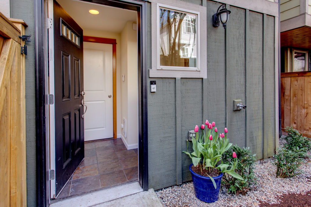Green Lake Townhome Private Garden, Entry