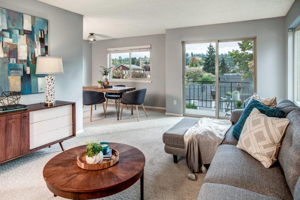 Classic Ballard Condo, Living Area, Private Balcony, Dining Area, Phinney Ridge View