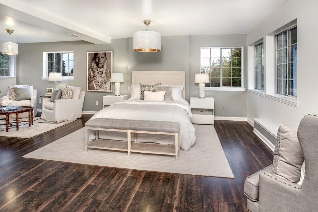 Contemporary Rainier Beach Home, Basement Suite, Sitting Area