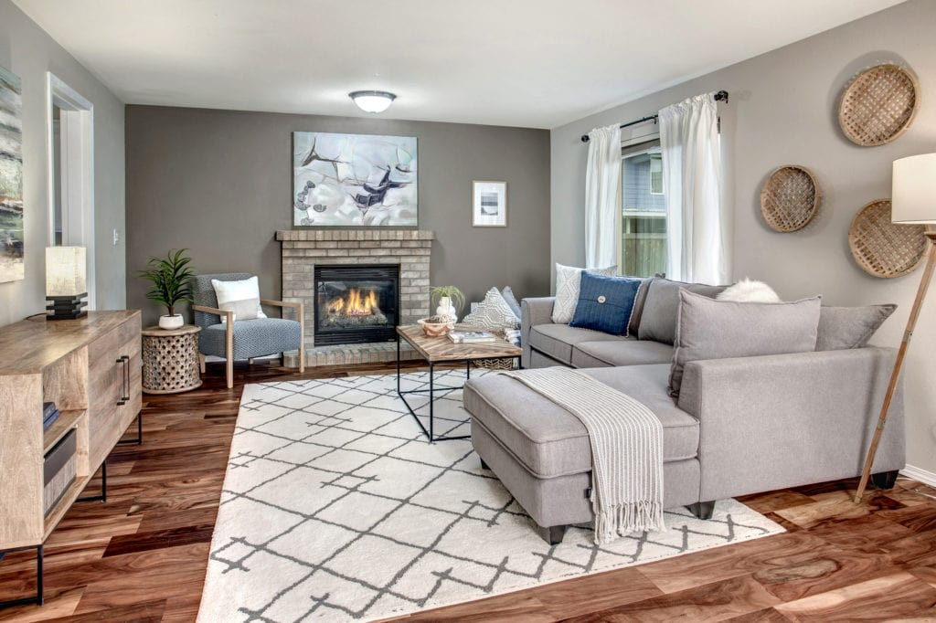 Spacious East Hill Kent Home Family Room, Gas Fireplace