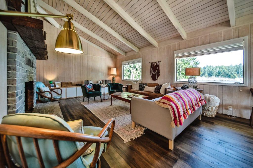 Lake Diva Living Room