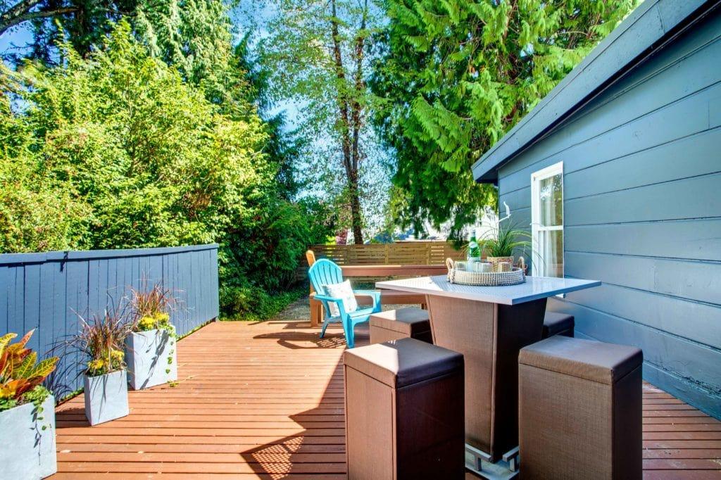 Wedgwood Mid-Century Home Back Yard Deck